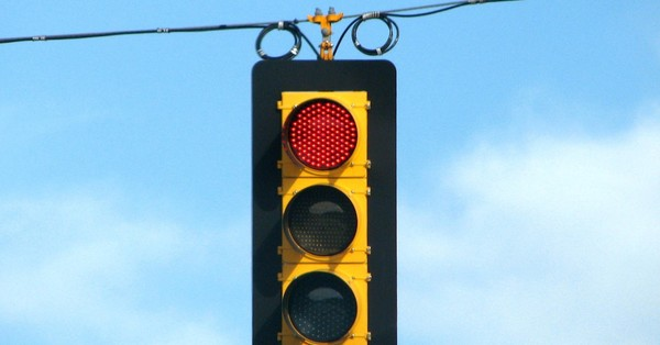 PSA: Green Means Go, Yellow Means Slow, and Red Still Means Stop